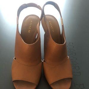 Coach leather tan size 7.5 sandals